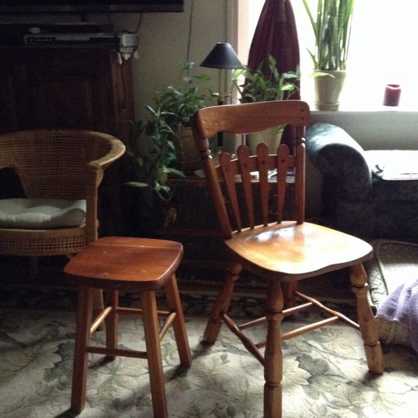 Chair and stool furniture in gig harbor wa offerup for Furniture gig harbor