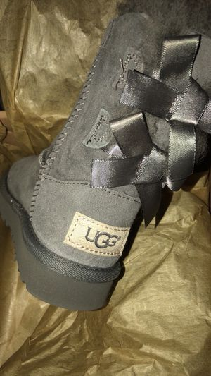 Toddler uggs size 7c NEW IN BOX