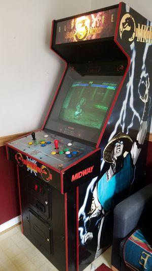 Mortal Kombat Ultimate Arcade Machine