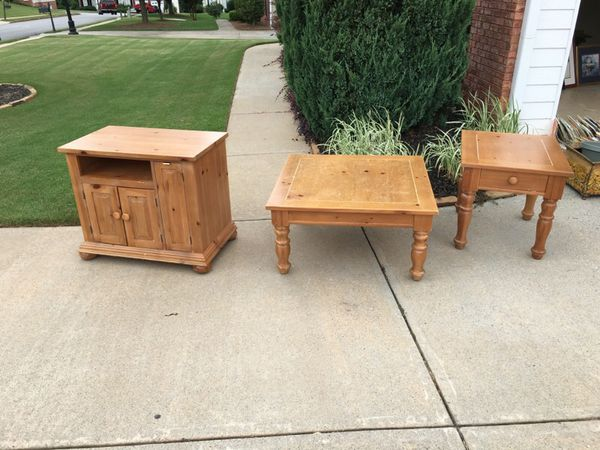 Broyhill Fontana Coffee Table End Table and Entertainment Center