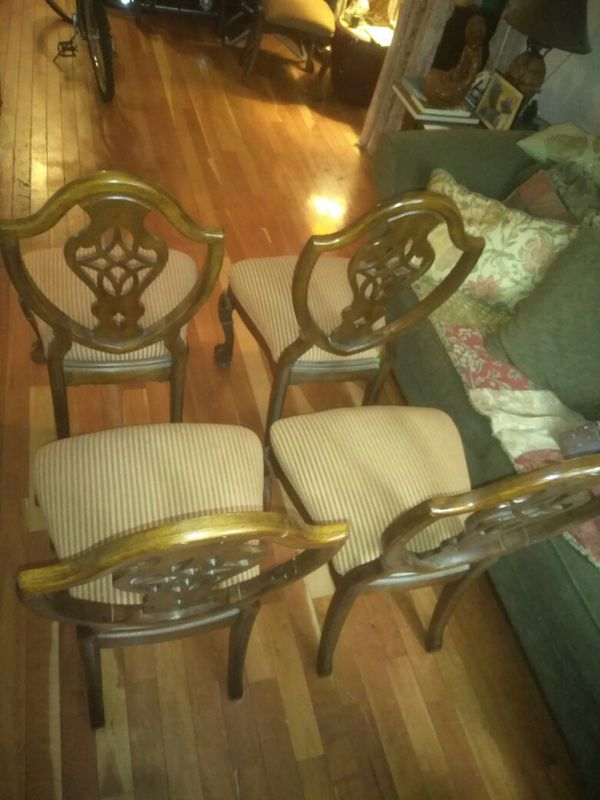 4 Dining Room Table Chairs W 2 New Cushions