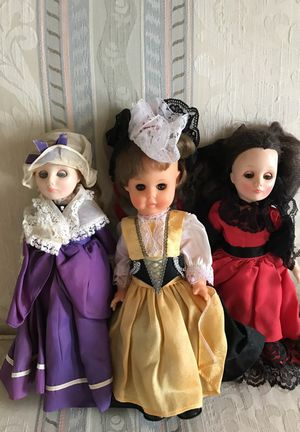 """1983 Effanbee Martha Washington 13"""" Doll- #1153 & Spanish & unknown country. They are used had been sitting in a shelf many years ago. Have been stor"""