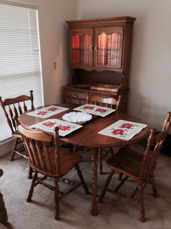 Cochrane Oak Dining Room Table, Leaf, 4 Chairs (Furniture) in ...