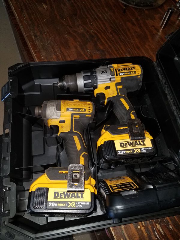 Dewalt 20v brushless hammer drill combo Tools Machinery in