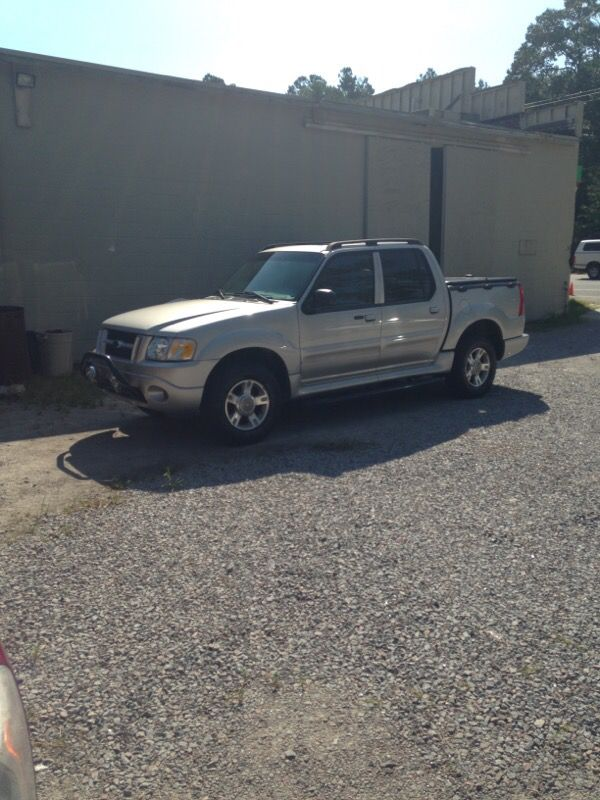 2004 ford explorer sport trac xlt 4x4 leather cars trucks in cary nc offerup. Black Bedroom Furniture Sets. Home Design Ideas