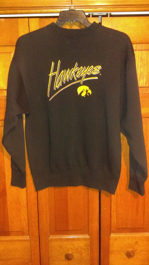 Mens Medium Iowa Hawkeyes Sweatshirt From Midwest Embroidery