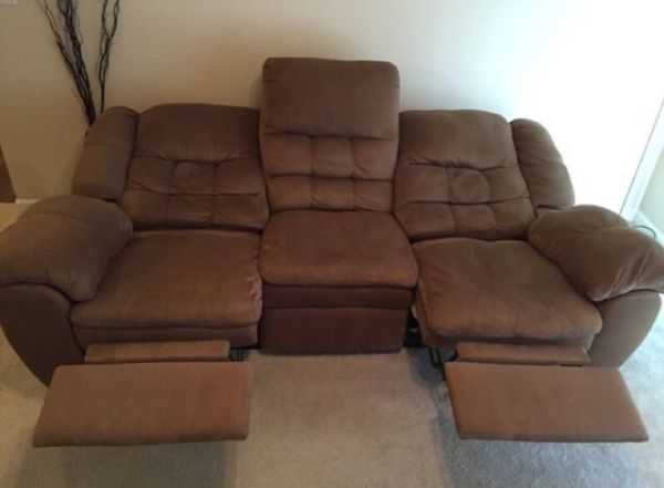 Moving must go reclining sofa from ashley furniture for Sectional sofas everett wa