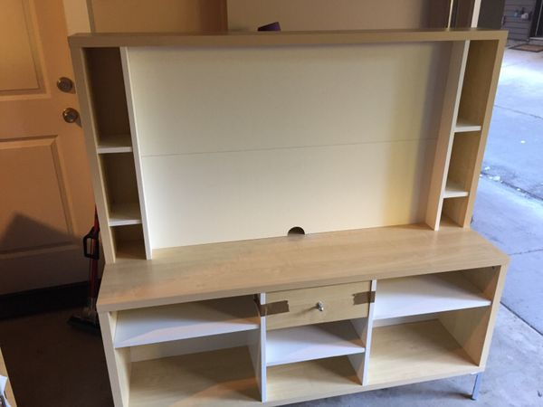 Tv stand furniture in seattle wa offerup for Furniture pick up seattle