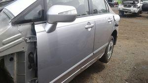 Se vende puerta completa de Honda civic 2007 al 2010