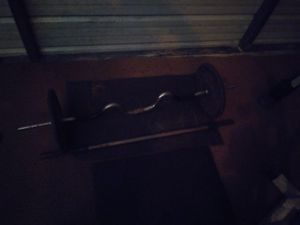 Curl bar with 4 25llb plates 2 10llb n 2 2.5llbs