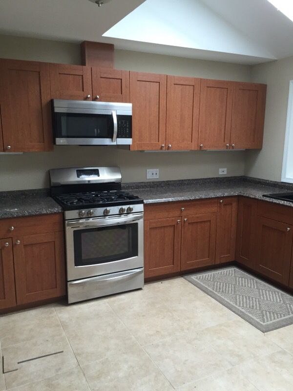 Kitchen cabinets home garden in shoreline wa offerup for Kitchen cabinets 60056