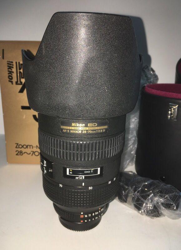 Nikon 28-70 2.8 AF-S ED lens IN BOX w/Leather case NEEDS ...