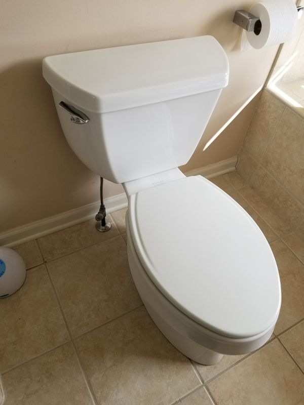 Shower, vanity with faucets, toilet (Household) in La Grange Park, IL