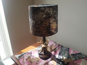 Real tree camo lamp