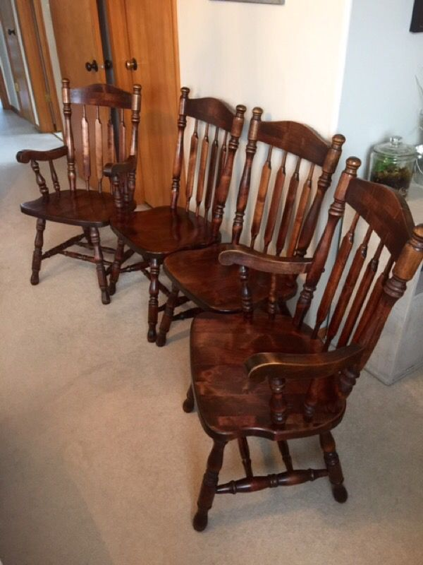 Vintage solid wood dining chairs furniture in monroe wa for Offer up furniture