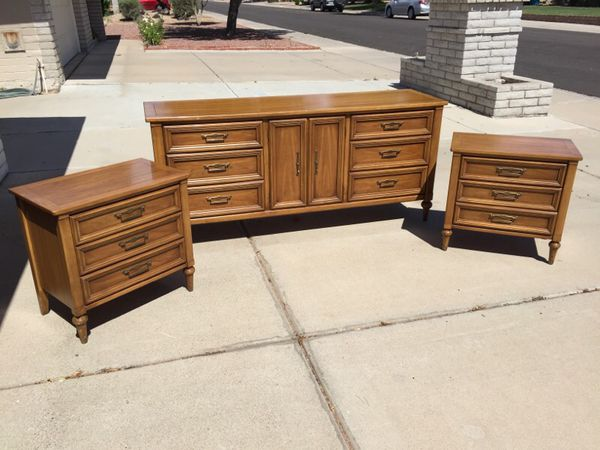 White furniture co butternut wood mid century bedroom set for Furniture 85050