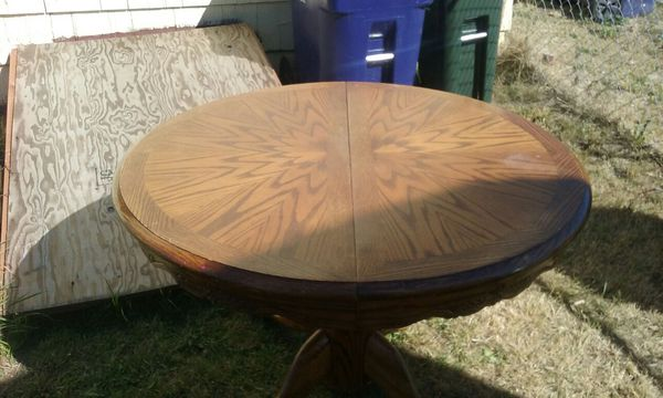 original shin lee solid oak dining table ( furniture ) in tacoma