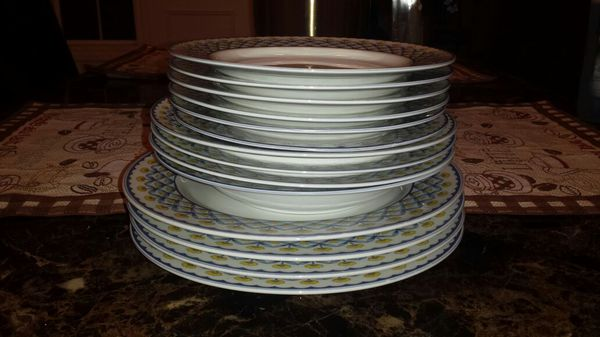 Plates Set Household In Lynnwood Wa Offerup