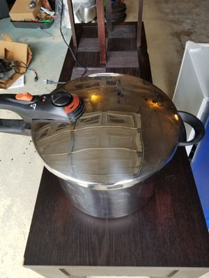 Pressure cooker -Large ON SALE HOLIDAY SPECIAL!!!