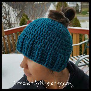 Crochet Messy bun hat/beanie
