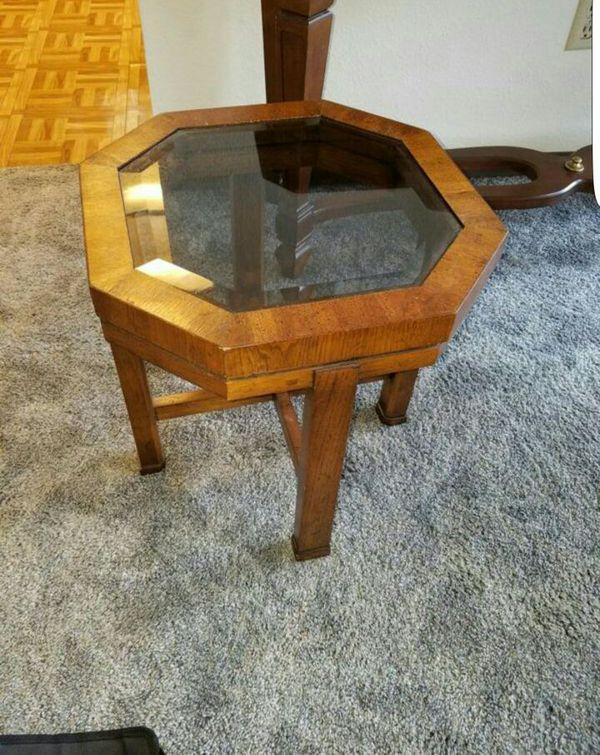 End table furniture in auburn wa offerup for Furniture auburn wa