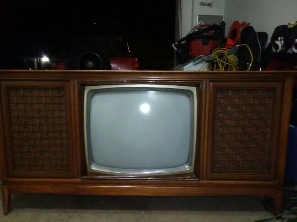 Vintage Magnavox Console Tv – HD Wallpapers