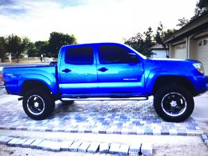 For more info and pics about 2006 Toyota Tacoma TRD contact me only: __brittany7r@gmail.com__