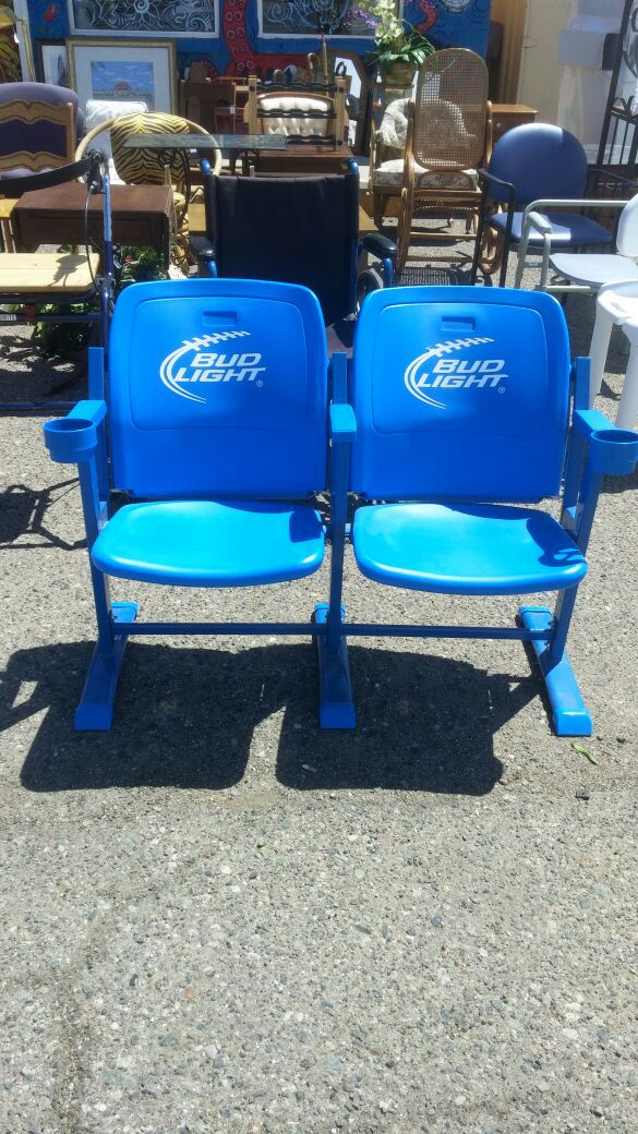 Man Cave Chairs With Cup Holder : Bud light stadium seats with cup holders great man cave