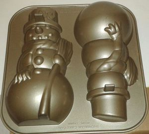 Williams Sonoma NORDIC WARE Snowman Cake Baking Pan