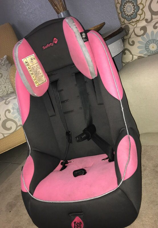 Safety 1st car seat pink (Baby & Kids) in Tampa, FL - OfferUp