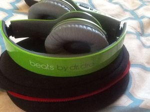 BEATS BY DR DRE 💲80 dlls