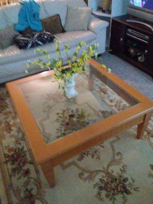 Living Center Wood pine Tabler TopGlass top good Cndition