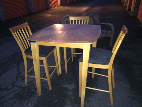 Kitchen table with 4 chairs furniture in auburn wa for Furniture auburn wa