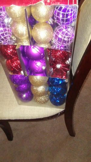 100 SHATTER RESISTANT CHRISTMAS ORNAMENTS