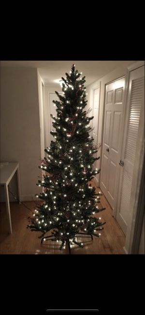 6.5 FEET PRE-LIT CHRISTMAS TREE