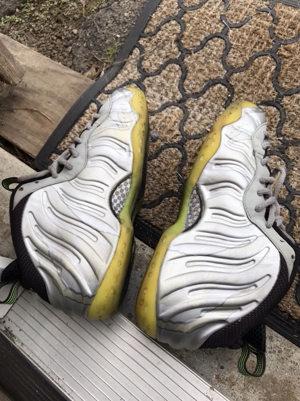093907858be83 Nike foamposite silver camo (Clothing   Shoes) in Hayward
