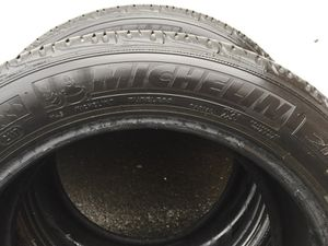 I have 2 good Michelin Use Tire 215/55/R17