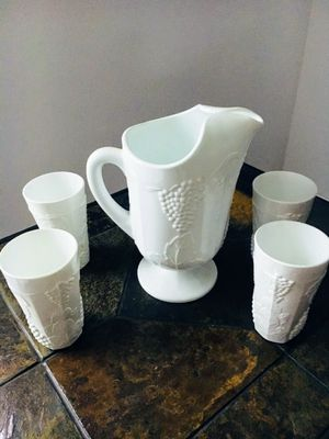 Vintage Indiana Colony Harvest grape white milk glass 72 oz pitcher 4 tumbles 14 oz