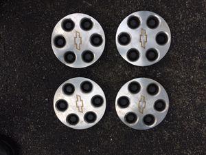 2001 Chevy Suburban center caps