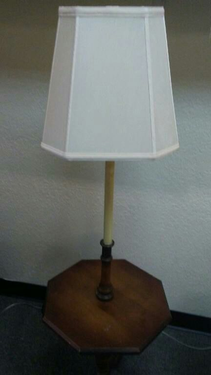 Vintage lamp table working furniture in plano tx offerup for Table lamp quit working