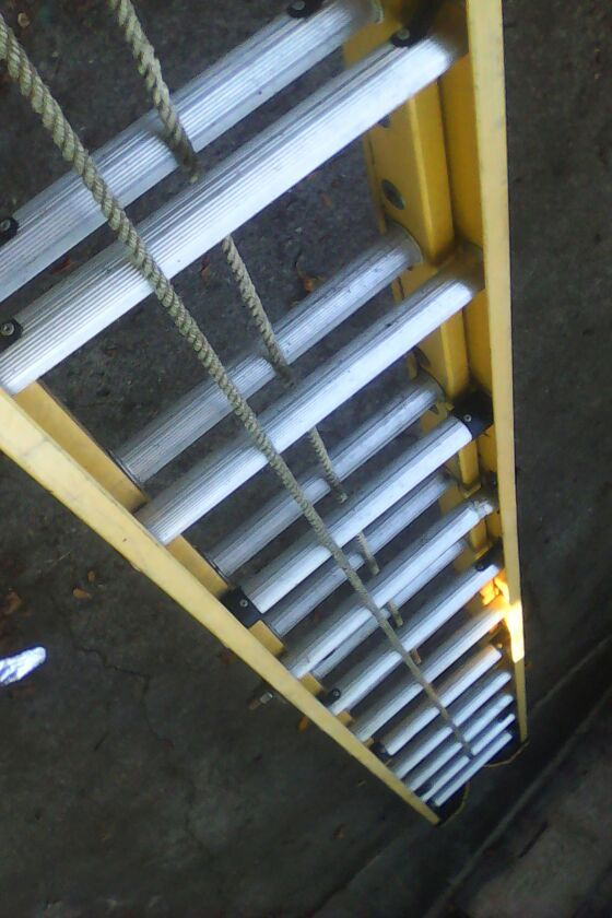 40 Ft Fiberglass Extension Ladder Tools Amp Machinery In