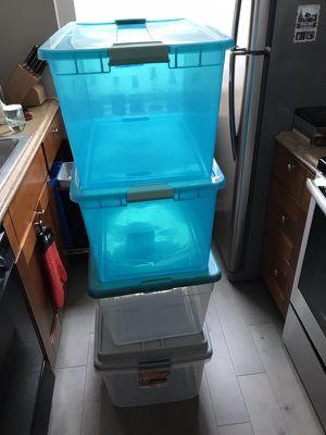 4 Plastic Storage Bins