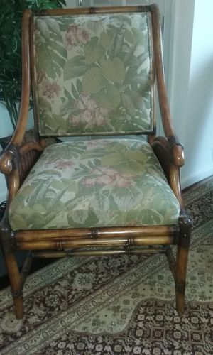 2 Matching Chairs