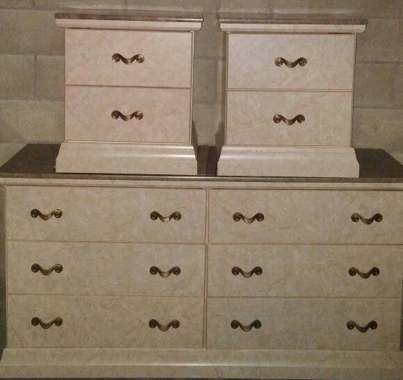 Perdue Sicilian Faux Marble Queen Bedroom Set (Furniture) in ...