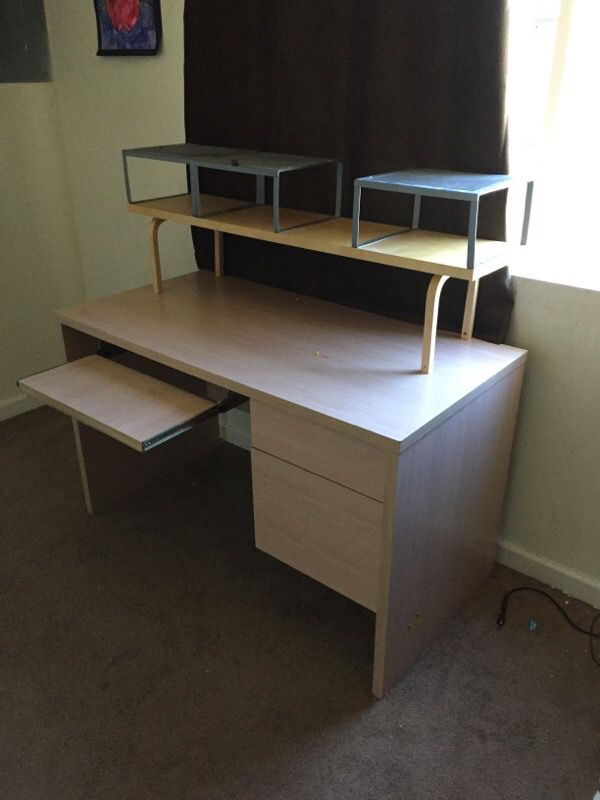 Offerup Las Vegas >> Computer desk (Computer Equipment) in Seattle, WA - OfferUp
