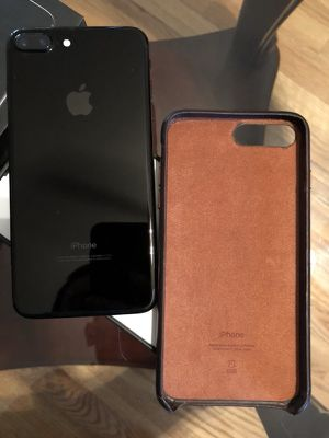 128GB Jet Black iPhone 7 Plus w/ active AppleCare+
