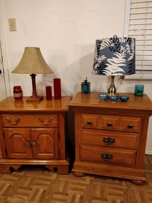 Nice solid wood 2 night stand in very good condition, pet free smoke free.
