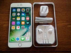 Silver Iphone 6+ {64GB} UNLOCKED w/ Accessories