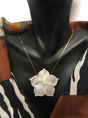 18k mother of pearl diamond necklace