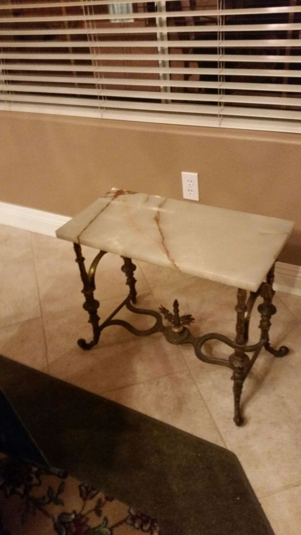 Dining room table queen size bed furniture in las vegas
